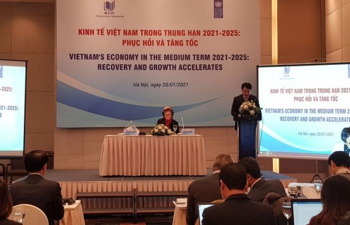 Kinh tế Việt Nam trung hạn 2021-2025: Phục hồi và tăng tốc