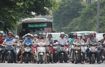 Hà Nội đề xuất cấm xe máy trên một số tuyến đường: Có khả thi?