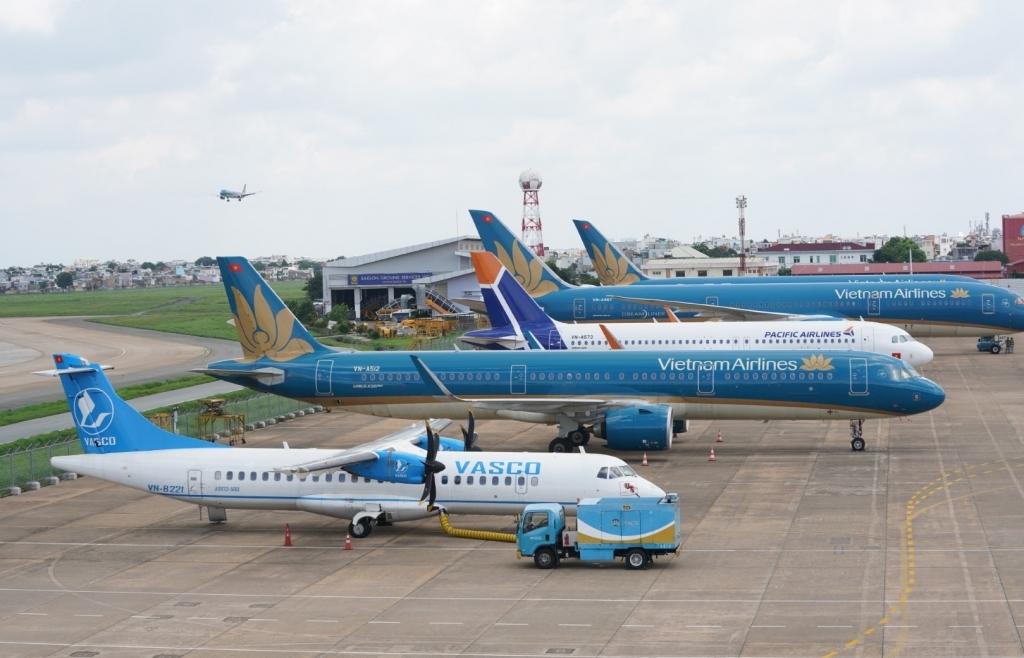 Bộ Tài chính phản hồi về điều chỉnh mức trần giá vé máy bay