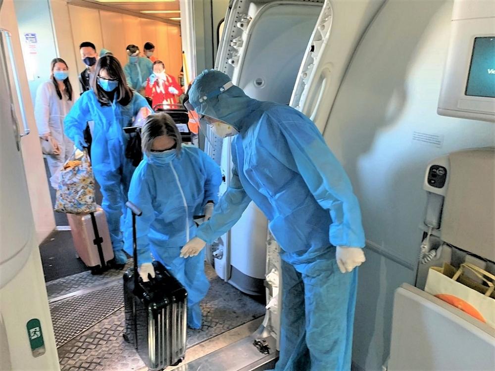 Mở lại đường bay quốc tế: Hộ chiếu vắc xin sẽ là chìa khóa?
