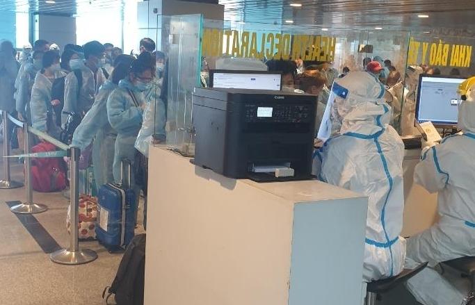 Tái khởi động các chuyến bay thương mại quốc tế