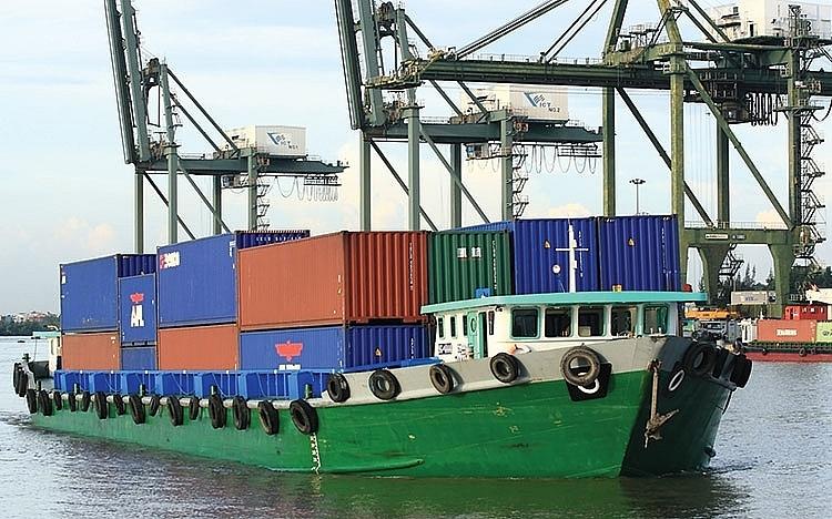 Điều chỉnh giá dịch vụ hoa tiêu cho doanh nghiệp vận tải biển