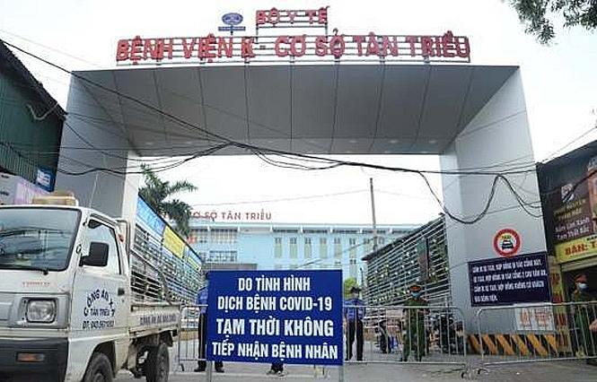 Yêu cầu tạm thời đóng cửa các hàng, quán sát bệnh viện K