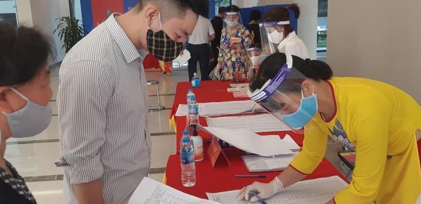 Tỷ lệ cử tri đi bầu cử tại nhiều địa phương đạt gần 100%