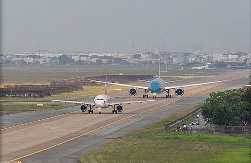 Sẽ sửa đường bay Nội Bài và Tân Sơn Nhất vào cuối tháng 6