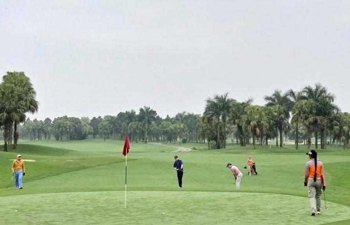 Từ 0h ngày 26/6, Hà Nội mở cửa trở lại sân golf và các hoạt động thể dục, thể thao ngoài trời