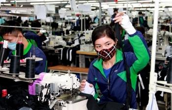 Chốt mức tăng lương tối thiểu vùng năm 2020 lên 5,5%