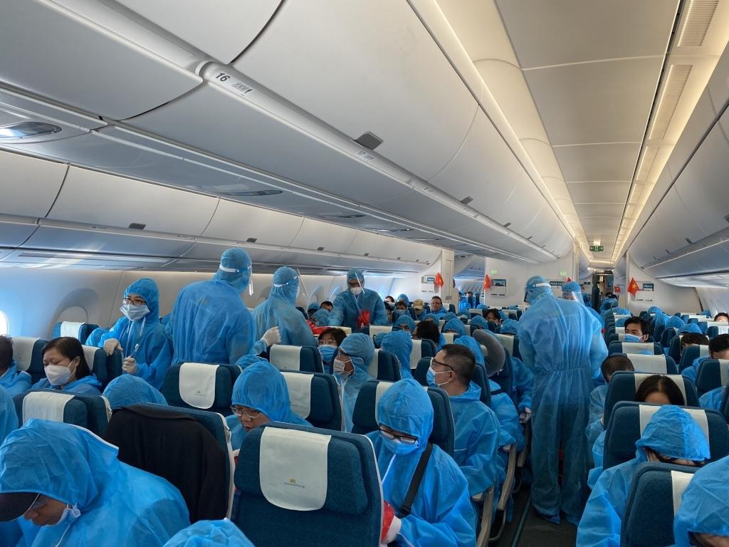 Tiếp tục đưa công dân Việt Nam tại Cuba và Đức hồi hương