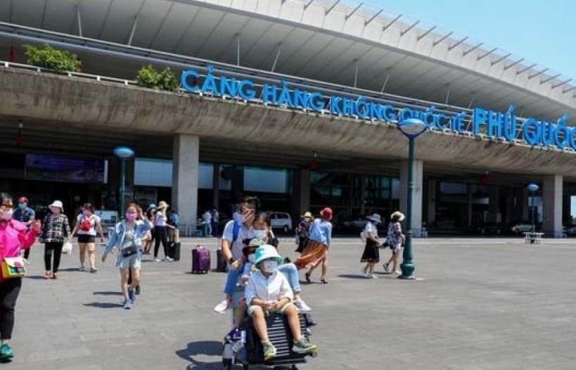 Đề xuất tạm dừng các chuyến bay chở khách TP HCM - Phú Quốc