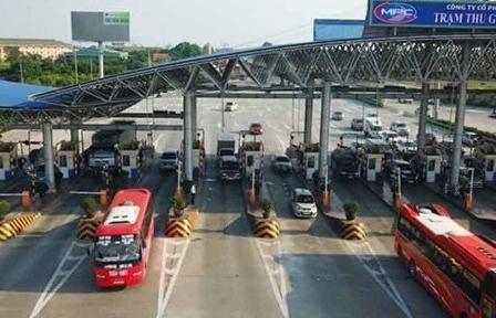 Tạm dừng thu phí và miễn phí tại các trạm thu phí dịch vụ sử dụng đường bộ