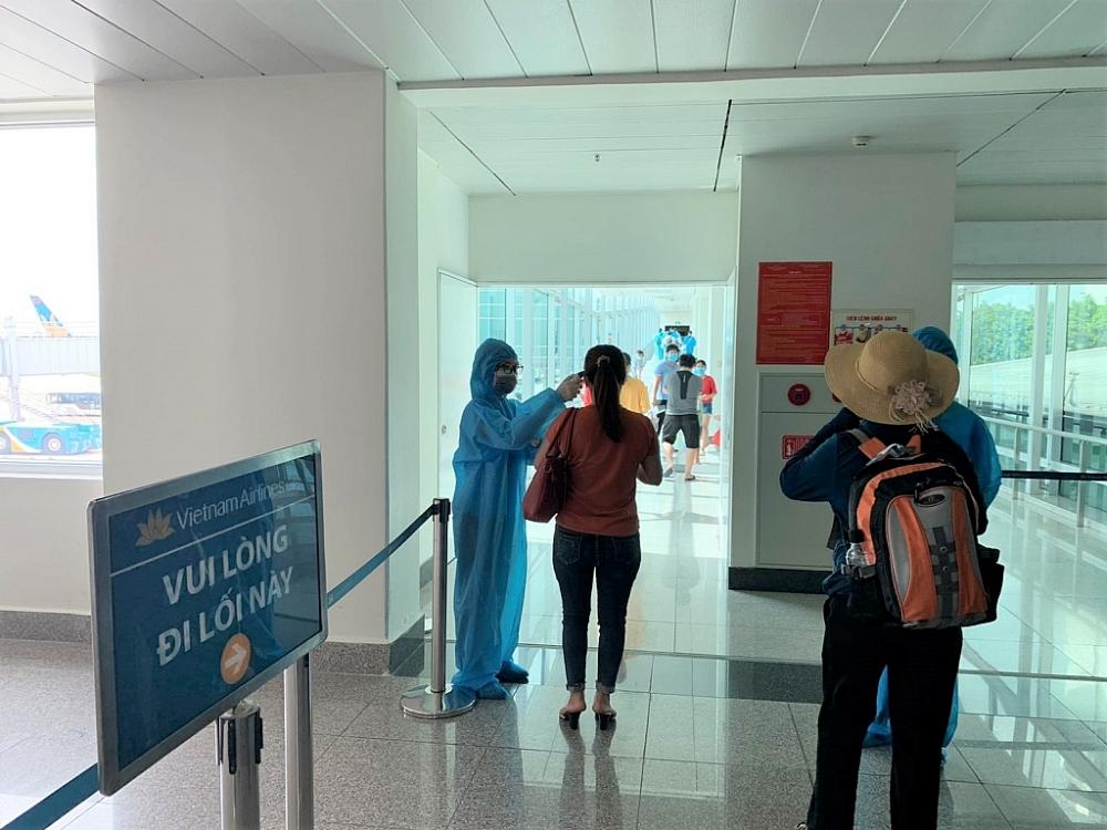 Chỉ bay vận chuyển người dân từ các địa phương đang thực hiện Chỉ thị số 16 về Hà Nội khi có ý kiến lãnh đạo thành phố