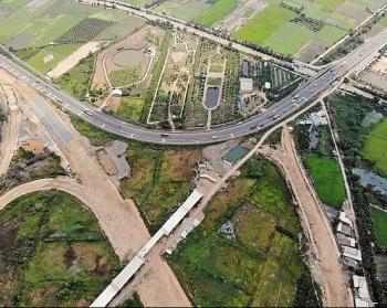 Tập trung nguồn lực, tháo gỡ khó khăn cho các dự án giao thông trọng điểm