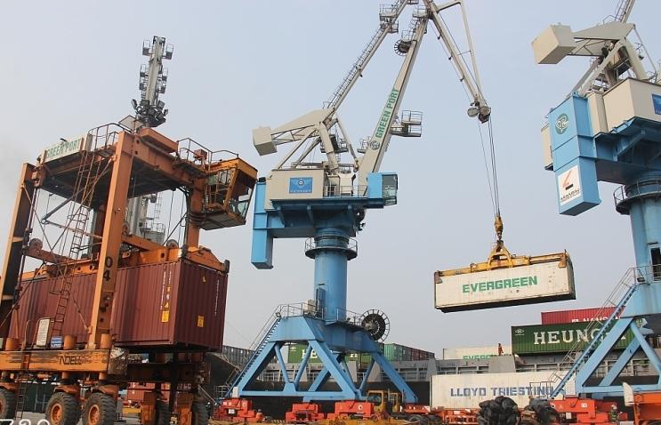 Đề xuất ưu tiên phát triển hệ thống cảng biển nước sâu