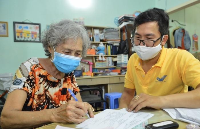 Chi trả gộp 2 tháng lương hưu, trợ cấp BHXH tại 4 tỉnh thành phố khu vực miền Trung
