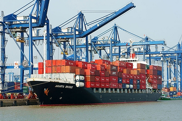 Doanh nghiệp hoa tiêu hàng hải, lai dắt tàu biển đồng loạt giảm giá hỗ trợ doanh nghiệp
