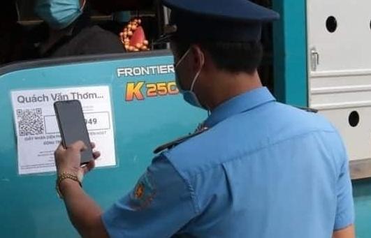 Tăng cường kiểm soát đối với các lái xe, người đi trên xe vận chuyển hàng hóa