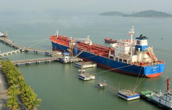 Giảm giá dịch vụ hoa tiêu, lai dắt cho tàu thuyền Việt Nam hoạt động nội địa