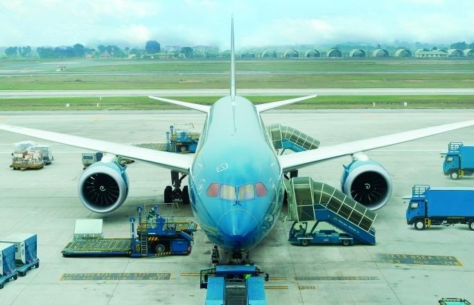 Mở lại đường bay quốc tế: Các hãng hàng không phải làm gì?