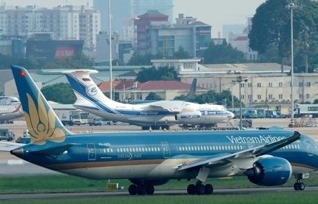 Mở lại đường bay nội địa: TP Hồ Chí Minh đồng ý, Hà Nội còn băn khoăn