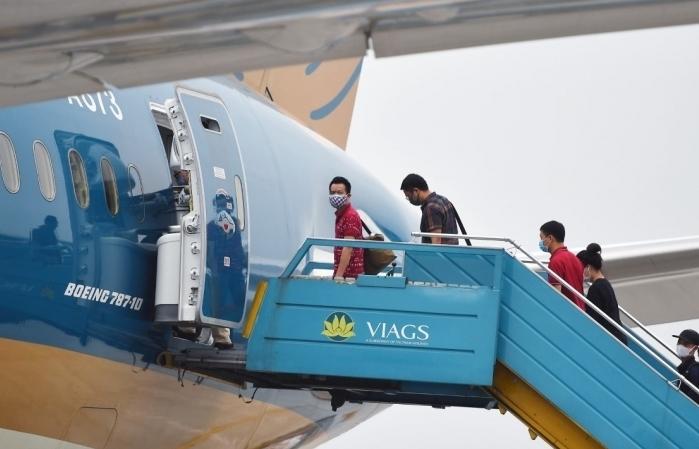 Vừa mở bán, nhiều chuyến bay nội địa đầy chỗ hơn 80%