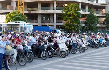13 số điện thoại đường dây nóng về an toàn giao thông dịp tết Dương lịch