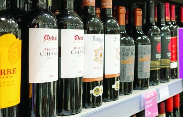 Anh bỏ quy định chứng nhận nhập khẩu rượu vang