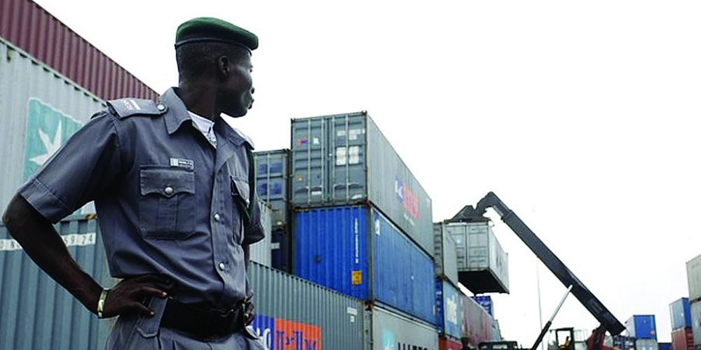 Cơ quan Hải quan Nigeria cũng thực hiện một trong những nhiệm vụ quan trọng là kiểm soát chống nhập khẩu hàng hóa kém chất lượng.