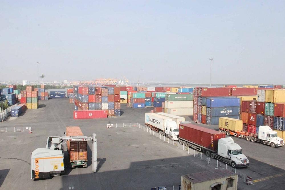 Việc thực hiện Hải quan số, mô hình Hải quan thông minh đáp ứng yêu cầu khi lượng hàng hóa xuất nhập khẩu tăng trưởng nhanh chóng. Ảnh: T.Bình