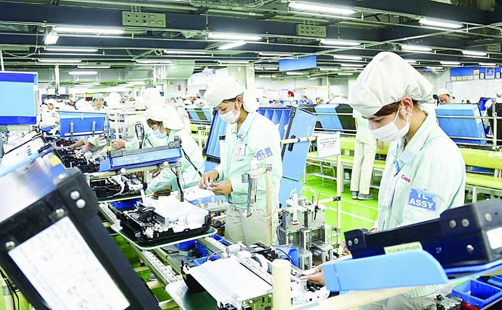 Hoạt động sản xuất tại khu công nghiệp Thăng Long, Hà Nội. Ảnh: Nhật Nam