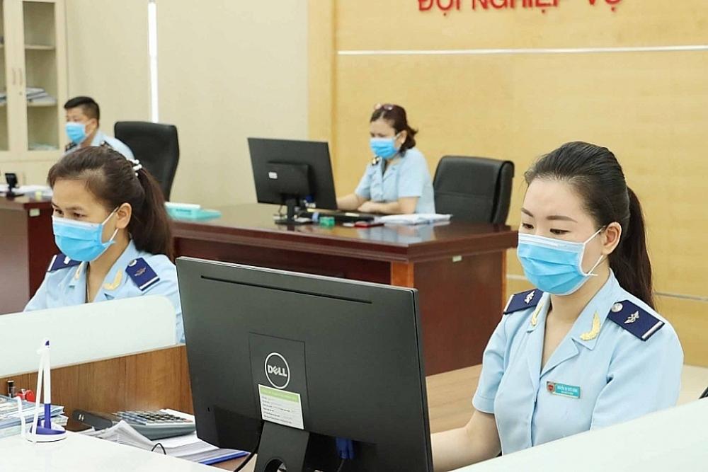 Chi cục Hải quan cửa khẩu cảng Hòn Gai phân công nhiệm vụ chuyên quản theo nhóm doanh nghiệp. Ảnh: Quang Hùng