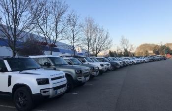 JAGUAR VÀ LAND ROVER triển khai sản xuất 160 xe hỗ trợ chống dịch Covid-19