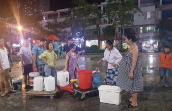 """Sau sự cố nước sông Đà, người dân KĐT Tân Tây Đô vẫn """"đỏ mắt"""" chờ nước"""