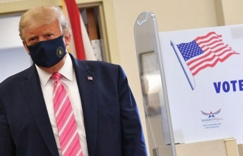 Bầu cử Mỹ 2020: Tổng thống Donald Trump bỏ phiếu sớm tại bang Florida