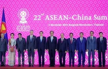 Thủ tướng Nguyễn Xuân Phúc dự Hội nghị Cấp cao ASEAN-Trung Quốc