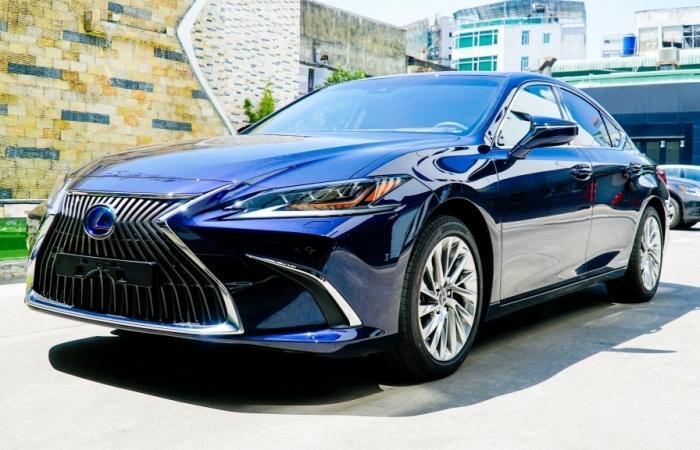 Không tăng giá Lexus ES 2021 thêm nhiều tính năng
