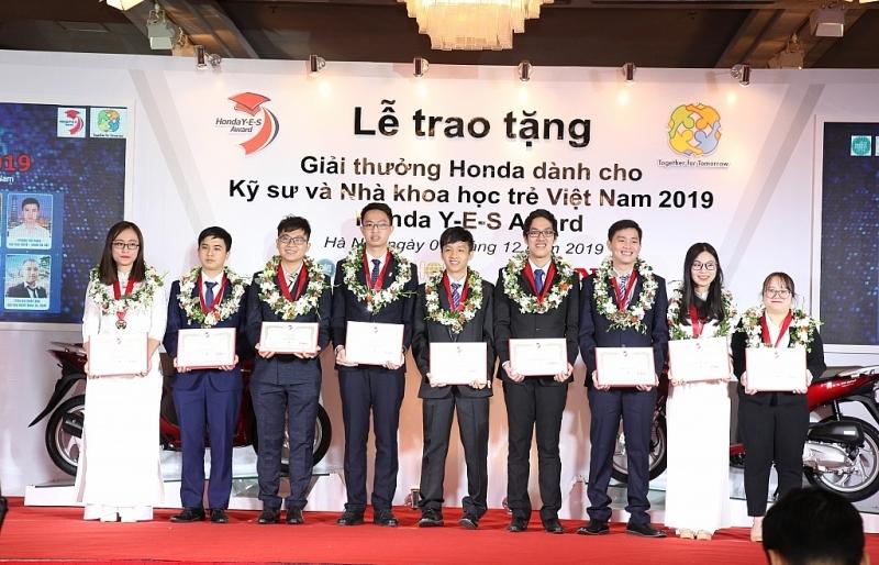 HVN trao 10 Giải thưởng Honda Y-E-S Kỹ sư và Nhà khoa học trẻ Việt Nam