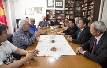 Đoàn đại biểu Đảng Cộng sản Việt Nam làm việc tại Uruguay và Argentina