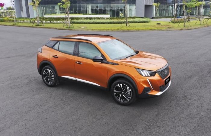 Giá từ 739 triệu đồng, Peugeot 2008 tạo sức nóng cho thị trường ô tô cuối năm