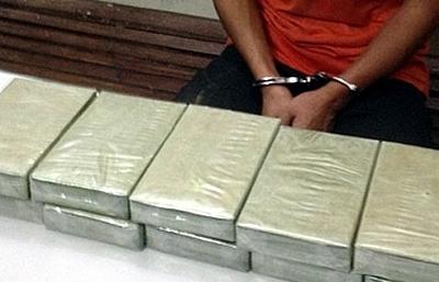 Lào Cai: Bắt 2 đối tượng vận chuyển 10 bánh heroin