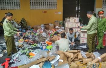 Bắc Giang: Tiêu hủy gần 11.000 sản phẩm điện tử, mỹ phẩm