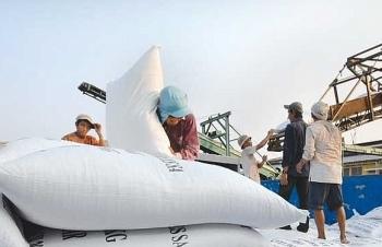 Bộ Tài chính đề nghị Bộ Công an xác minh thông tin phản ánh vi phạm trong xuất khẩu gạo
