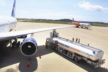 Trình Chính phủ giảm 30% thuế bảo vệ môi trường đối với nhiên liệu bay