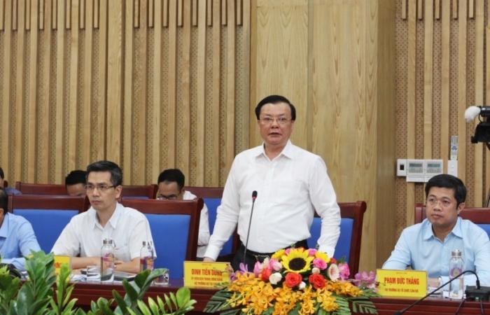 Bộ trưởng Đinh Tiến Dũng: Nghệ An tiếp tục nỗ lực để đạt kết quả thu ngân sách cao nhất