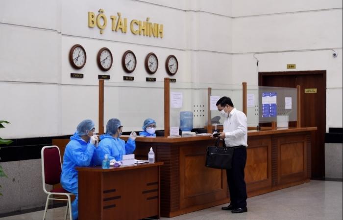 Bộ Tài chính: Thiết lập lại hệ thống kiểm dịch, tăng cường ứng dụng công nghệ ứng phó với Covid-19