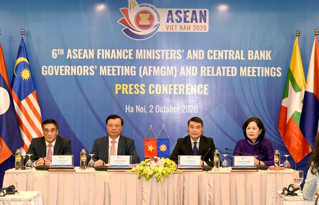 Bộ trưởng Đinh Tiến Dũng: Đoàn kết và hợp tác là chìa khóa giúp ASEAN chiến thắng đại dịch và khôi phục tăng trưởng