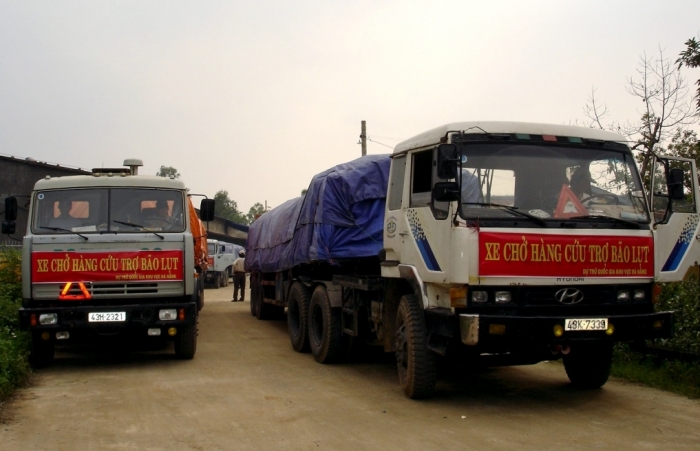 Xuất cấp 5.000 tấn gạo dự trữ hỗ trợ người dân miền Trung