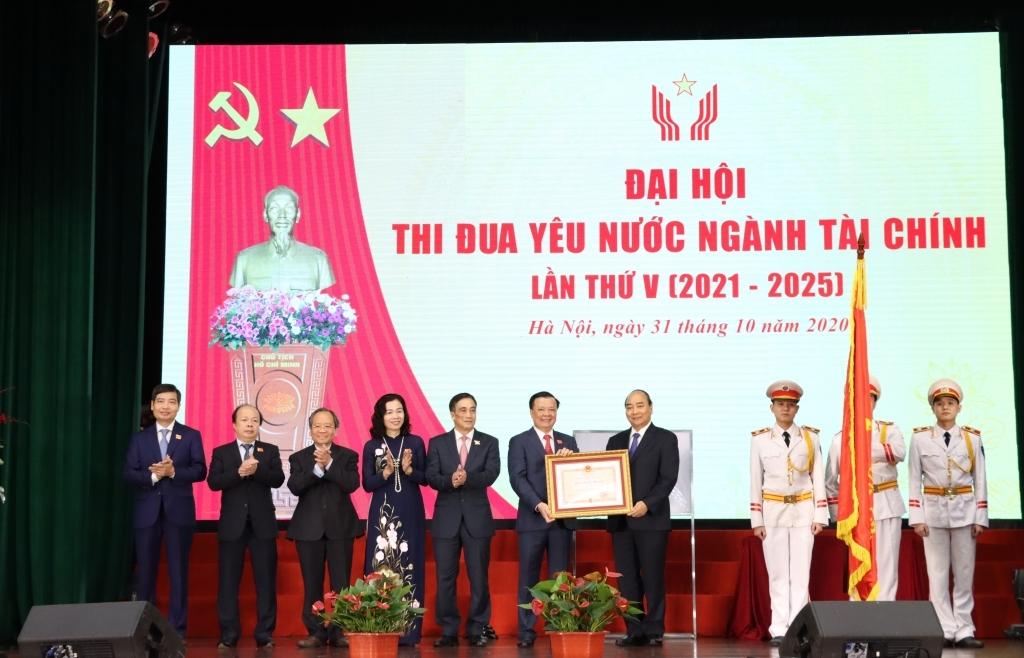 Ngành Tài chính vinh dự đón nhận Huân chương Độc lập hạng Nhất