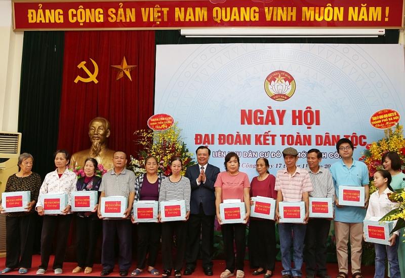 bo tai chinh tang qua cac ho ngheo phuong dinh cong