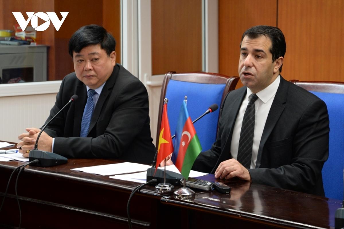 Các Đại sứ nước ngoài tin Đảng Cộng sản sẽ dẫn dắt Việt Nam đạt đột phá kinh tế vĩ đại
