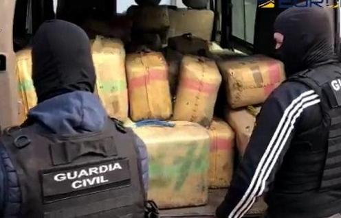 Tây Ban Nha triệt phá băng nhóm buôn ma túy lớn nhất Madrid
